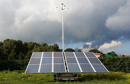trailer photovoltaïc with projector