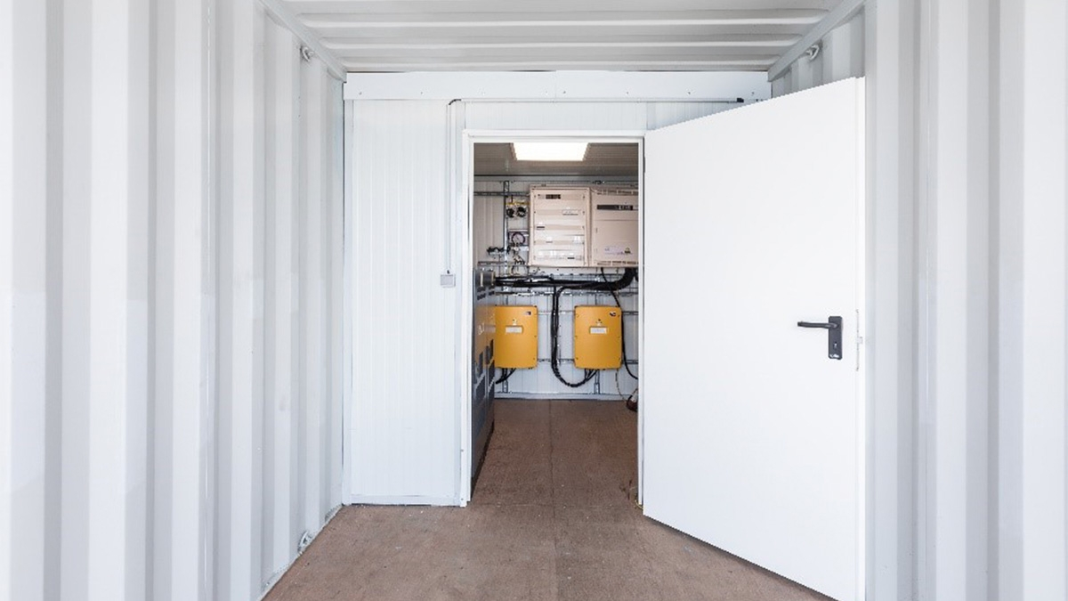 container générateur solaire local technique