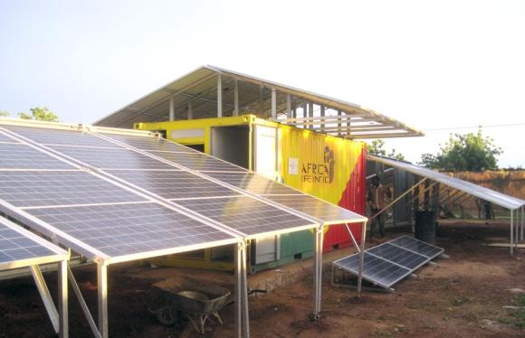container génératrice solaire